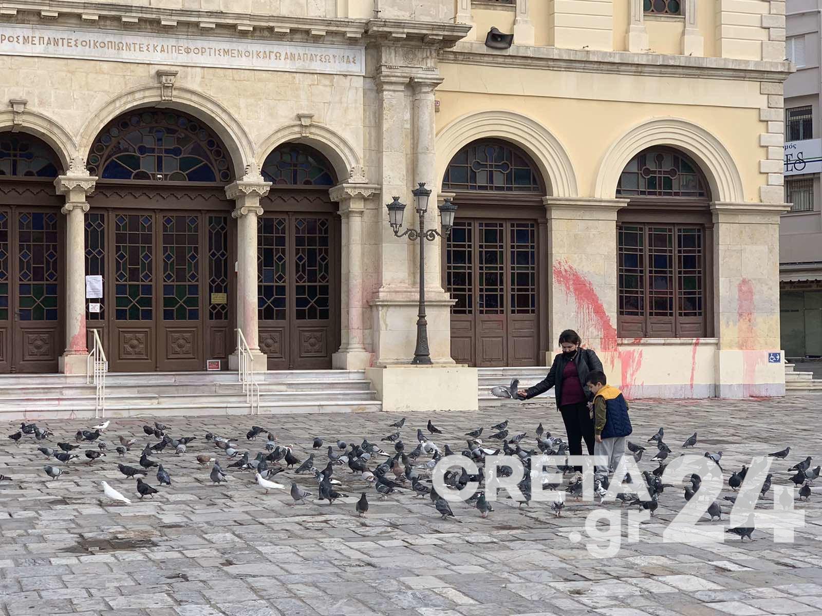 Metropolitan Church of Agios Minas in Heraklion vandalized by unknown people 2